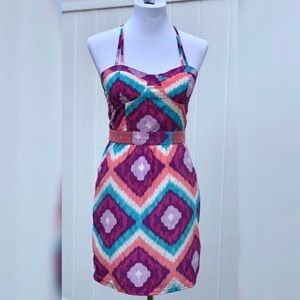 Gorgeous vibrant pattern dress WITH POCKETS!